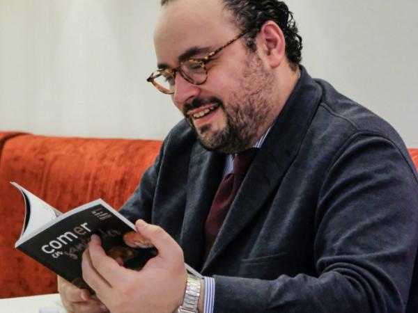 """""""la Comida Es El Enemigo Y El Antídoto De La Prisa"""""""